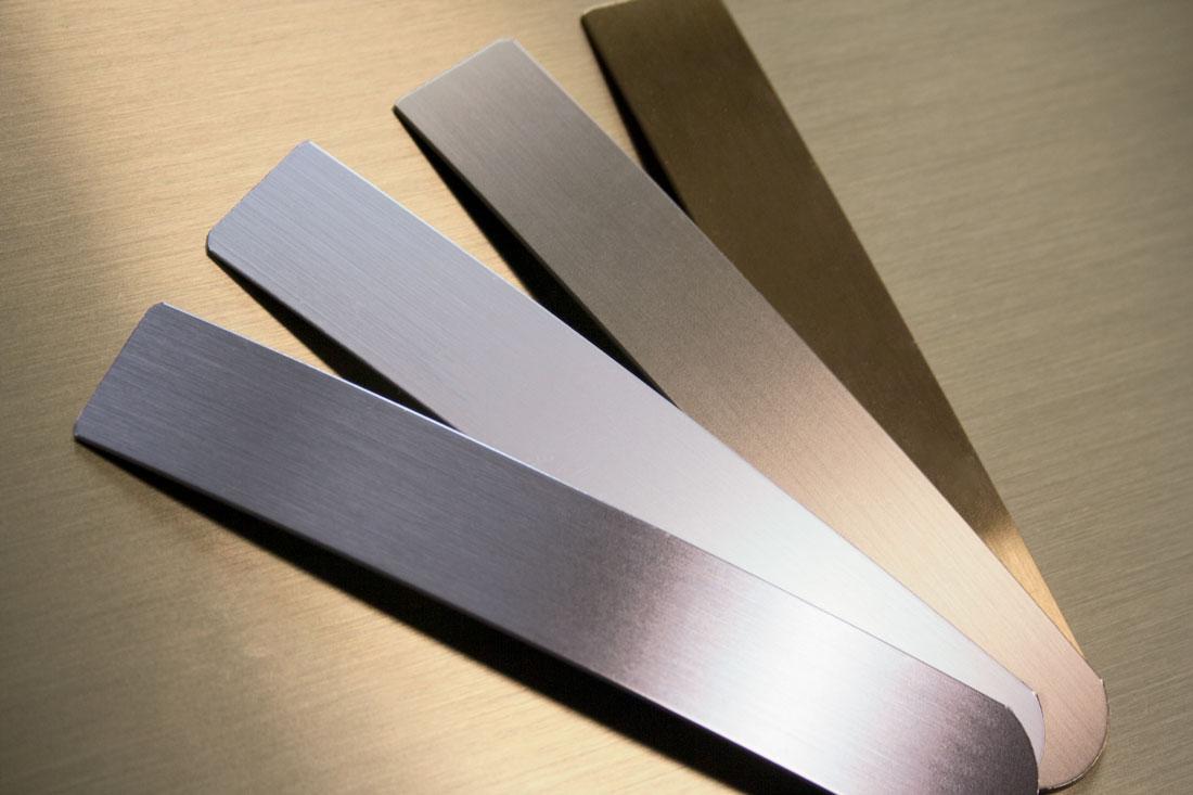 Foil for plastic edges